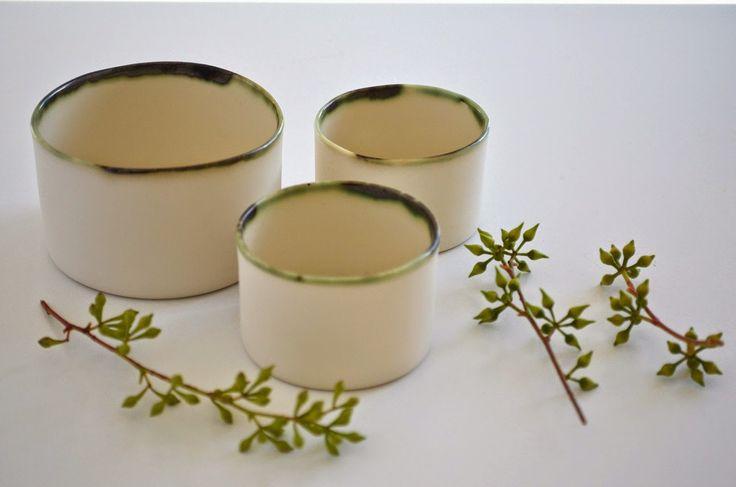 ❍ Porcelain green rim cups by Otchipotchi . January 2015
