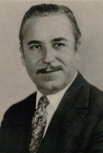 NOAH BERRY est un acteur américain né le 17 janvier 1882 à Kansas City, Missouri (États-Unis), mort le 1er avril 1946 à Beverly Hills (Californie). Frère de Wallace Beery, et père de Noah Beery Jr.. Filmographie complète de 1910 à 1945 sur Wikipédia.