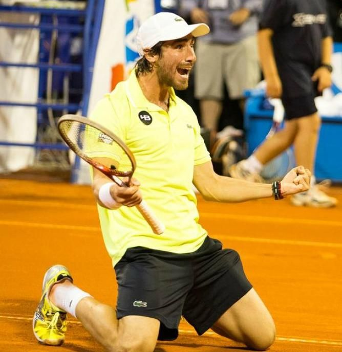 Umag- Qualifier Pablo Cuevas stuns defending champion Robredo to win second title in 3 weeks