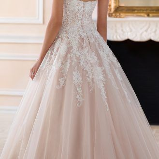 Wedding Dress by Stella York Spring 2017 Bridal Collection-6385B Stella York