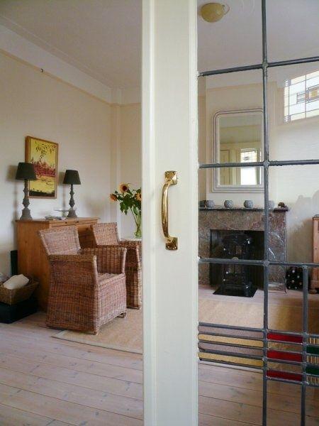 Apartment Bosbesstraat Den Haag: for rent @ €1050