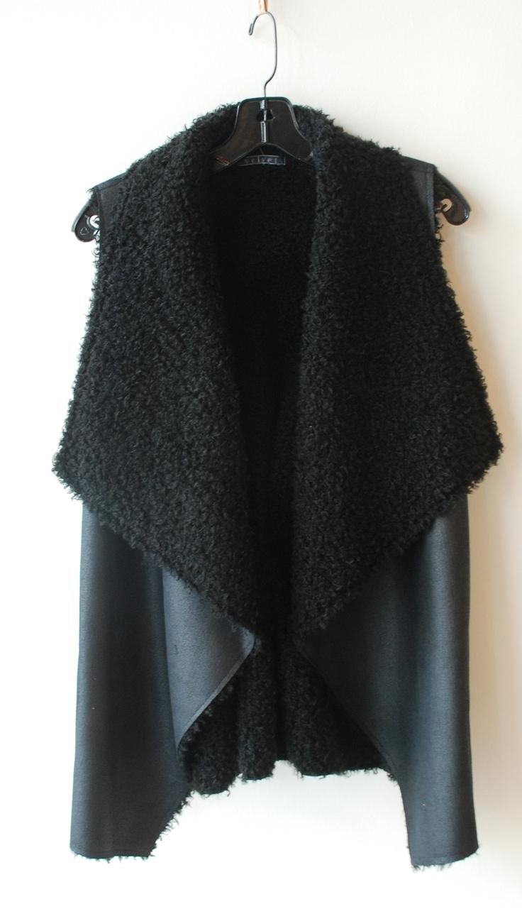 Abejas Boutique - Velvet Sherpa Vest - Black