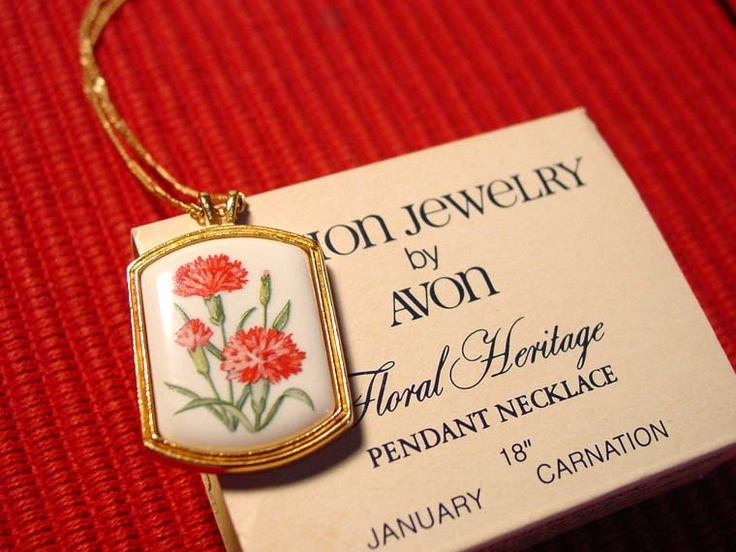 1980 Avon Floral Heritage pendant necklace January Carnation - Alpha Chi Omega