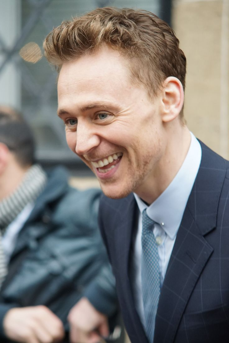 Tom Hiddleston at ITV Studios for This Morning on April 11, 2013 [HQ] <--- I love this man's smile so flippin much