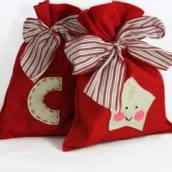 A green alternative to paper wrapping: reusable gift bags.