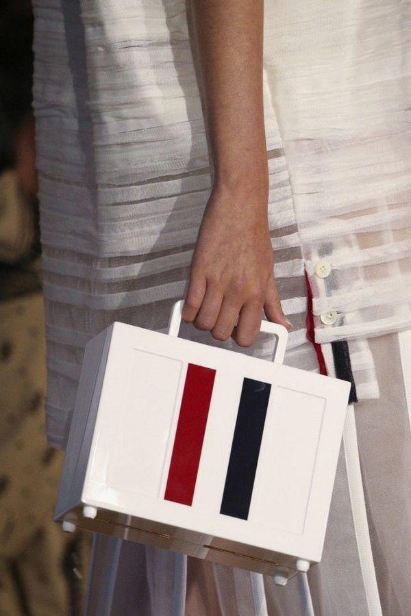 1671e7b8ecbf Модные сумки 2019-2020: фото, новинки, формы и тенденции сумок для женщин