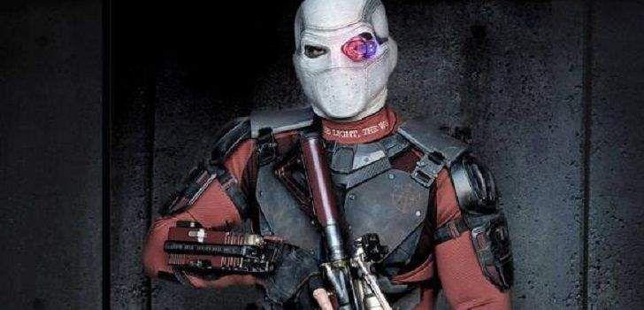 A DC acabou de revelar a primeira imagem oficial do elenco de Esquadrão Suicida, e em pouco tempo, muitos fãs já estavam reclamando da falta de máscara do Pistoleiro de Will Smith. Agora, opróprio ator acaba de dar menos um motivo para reclamarmos do filme! Will Smith revelou em sua página do Facebook uma imagem …