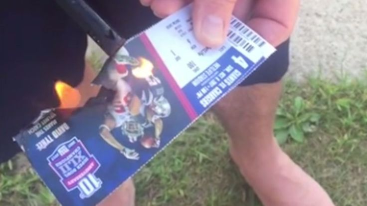 Giants fan burns tickets after national anthem protests