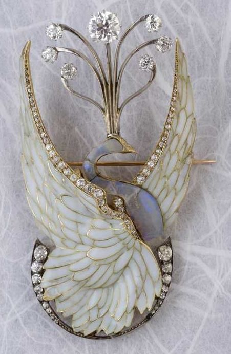 Philippe Wolfers A rare Art Nouveau gold, silver, plique-à-jour enamel, diamond and opal brooch #GoldJewelleryDIY #GoldJewelleryArtNouveau #VintageGoldJewellery