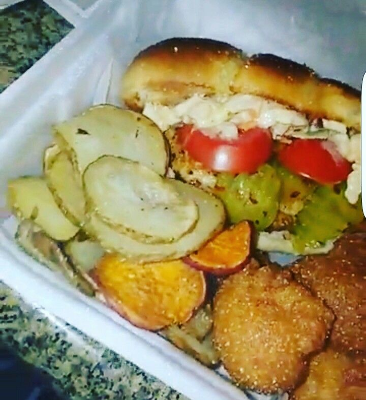 Po boy?? Chicken or catfish ..  which one do you prefer ??? Homemade hushpuppies and mojos!!