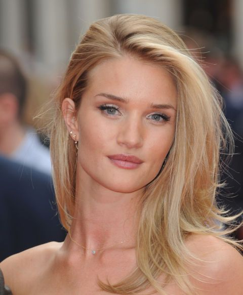 The platinum micro-highlights framing Rosie Huntington-Whiteley's face give her a fresh, youthful look.