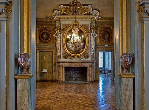 Interiors of the ch teau de maisons now ch teau de maisons laffitte locate - Le cosy maison laffitte ...