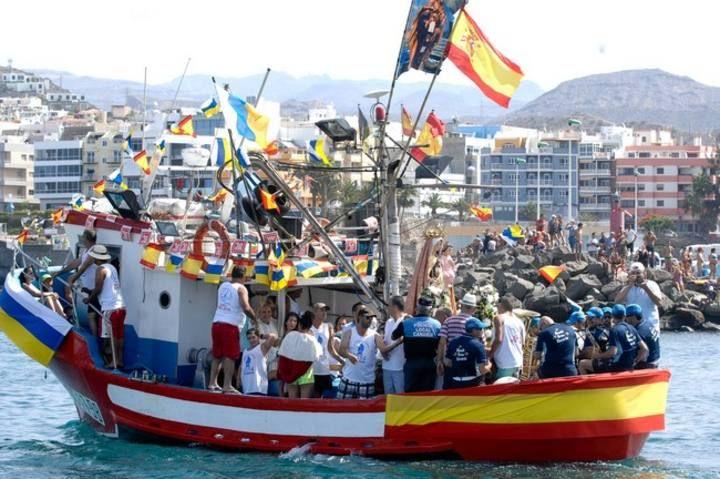 Procesión marítima de la Virgen del Carmen en Arguineguín