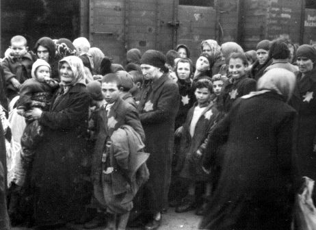 hungarian jews and the holocaust essay Jews have a long history in the country now known as hungary, with some  records even  who remained committed to regaining the lost territories of  greater hungary, chose to align themselves with the governments of nazi  germany and.