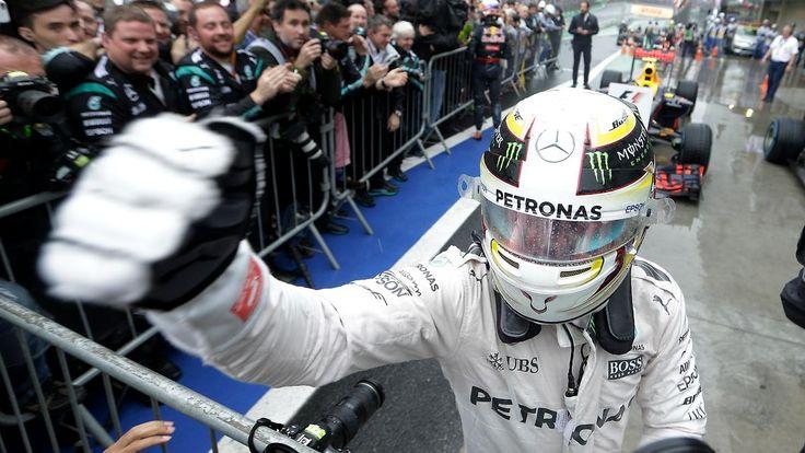 Formel-1-WM wird zum Thriller: Hamilton gewinnt Chaos-Rennen vor Rosberg