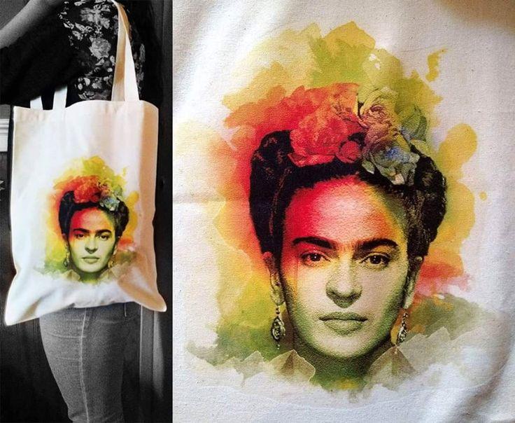 Bolsa ecológica de tela crea estampada con la mistica Frida Kahlo al estilo acuarela, se vende a $ 5.000 pesos en Santiago de Chile