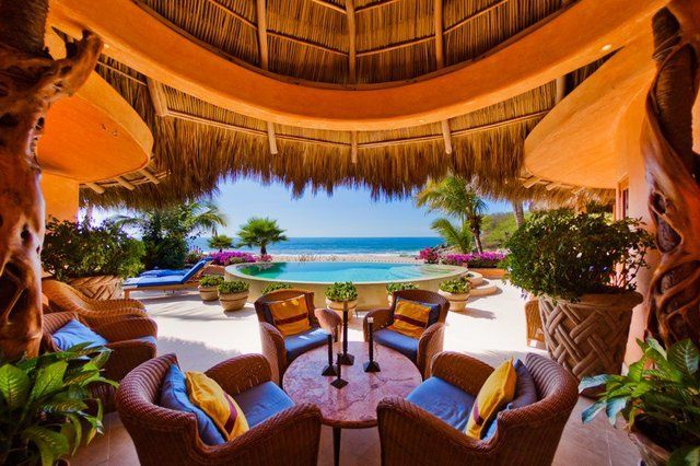 Casa Calabaza - Beachfront Villa in San Pancho, Nayarit, Mexico. 4 en-suite Bedrooms. For more photos and reservations contact info@sanpanchorentals.com or http://www.sanpanchorentals.com/4bedroom/casa_calabaza.html