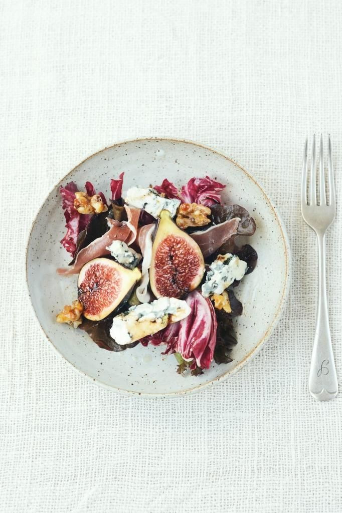 Autumn Salad with figs, walnuts, prosciutto, blue cheese. Ooh.