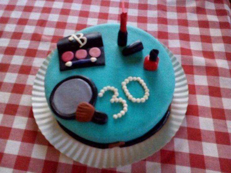 A B é fã de maquilhagem e os amigos quiseram oferecer um bolo alusivo ao seu hobby Bolo Maquilhagem Make up cake Gateau maquillage
