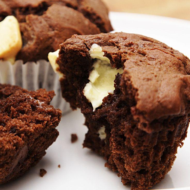 die besten 25 muffins mit fl ssigem kern ideen auf pinterest schokoladenk chlein mit. Black Bedroom Furniture Sets. Home Design Ideas