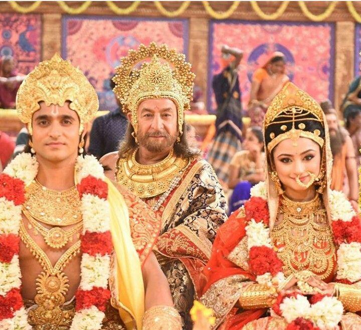 Ram and Sita with Dashrath - For more Siya Ke Ram pins follow: @meghnaprasad4
