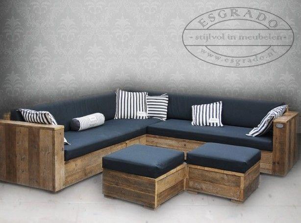 Natuurlijke steigerhout hoekbank met all-weather kussenset. Deze loungebank van steigerplanken word geheel naar wens gemaakt.