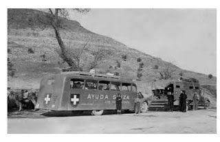 ENFANTS D'ELNE les camions de l'Ayuda Suiza sur les routes d'Espagne, vers 1937