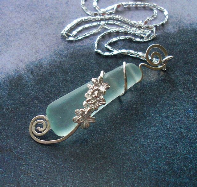 Seaglass Jewelry - Graceful Orchid Seaglass Necklace