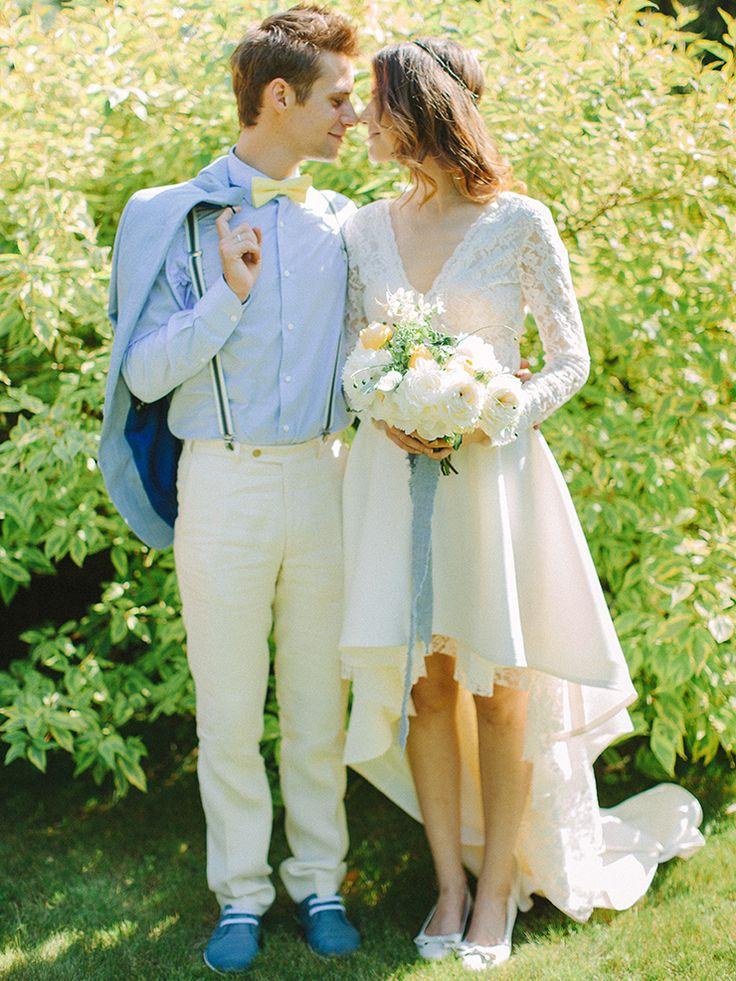 blue jacket for the groom - blue and yellow colour scheme | Photography : anastasiyabelik.com | Full #wedding inspiration on fabmood.com