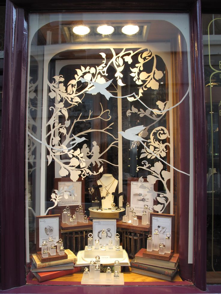 17 best images about jewellery window displays on for Show window designs