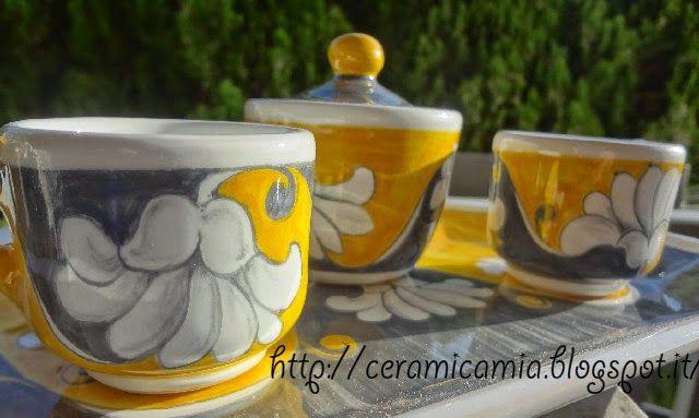 Tazze, cups #Maiolika #Italy http://ceramicamia.blogspot.it/p/tazze-tazzine.html