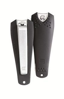German blade master, Zwilling J.A. Henckels, delivers a powerful stainless steel toenail clipper, with a sharp edge that achieves a clean cut, every time.