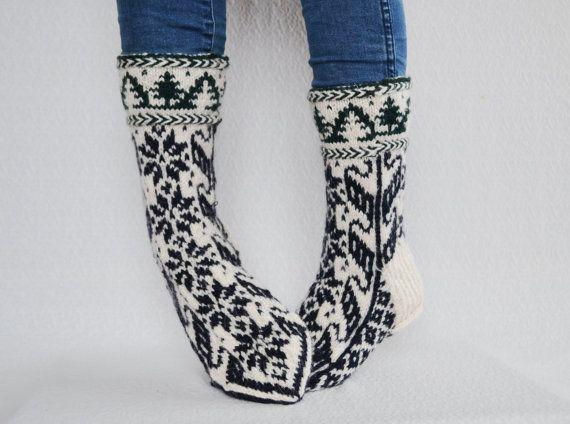 USmen:9-9.5/USwmn10.5-11/EU43-43.5 hand knitted mens wool socks large womens socks thick wool socks  Xmas socks gift scandinavian No22