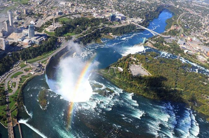 Grand tour en hélicoptère au-dessus des chutes du Niagara, Niagara-Falls-and-Around. Réserver Grand tour en hélicoptère au-dessus des chutes du Niagara à