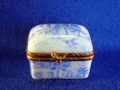 521 best Porcelain box, Dresser box, snuffbox, pill box images on ...