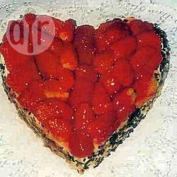 Aardbeien cake in hartvorm recept - Recepten van Allrecipes