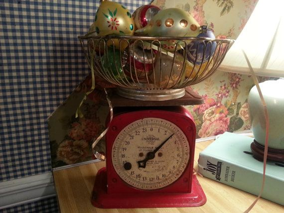 25 days of Christmas sale! was 52.00 now 39.00 Rustic farmhouse kitchen 50s - 60s metal kitchen scales. Wonderfully red perfect for