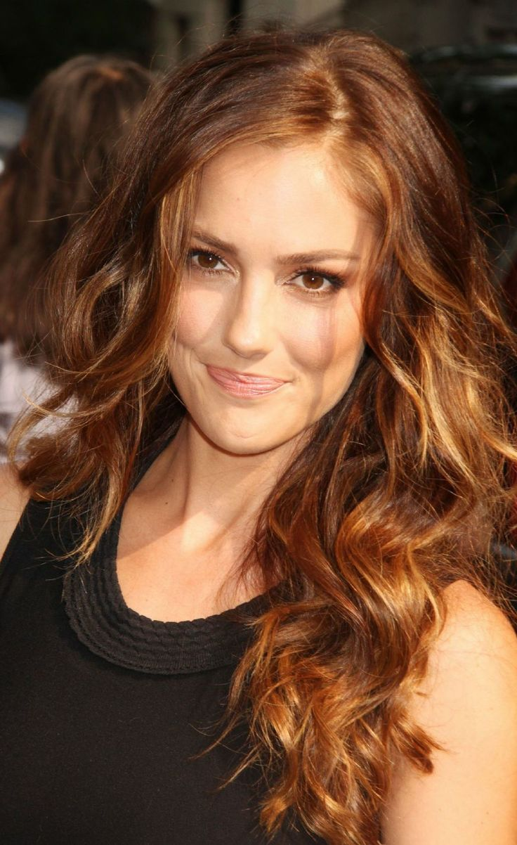 ♥️ Pinterest: DEBORAHPRAHA ♥️ Minka Kelly brown hair with blonde balayage hair style #minkakelly