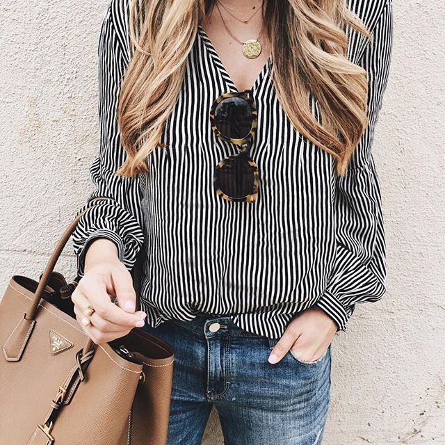 keeping it casual after a busy morning at #rsthecon... always a sucker for stripes! http://liketk.it/2r7Dj #stripes