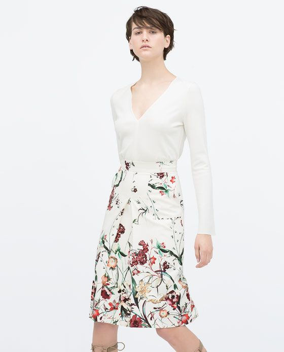 Image 1 of FRONT PLEAT PRINTED SKIRT from Zara