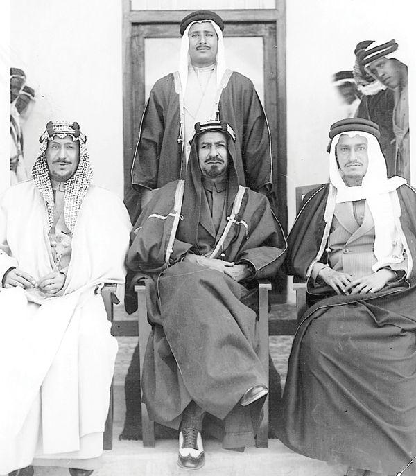 الامير الشيخ أحمد الجابر والأميران سعود وخالد آل سعود في الكويت عام 1942 Egyptian History Saudi Arabia Culture Historical Photos