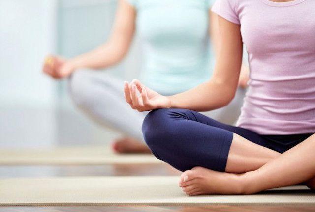 7 posizioni yoga da fare ogni giorno | gatto, cane, uttanasana, pashimottanasana, guerriero, piccioine, bambino