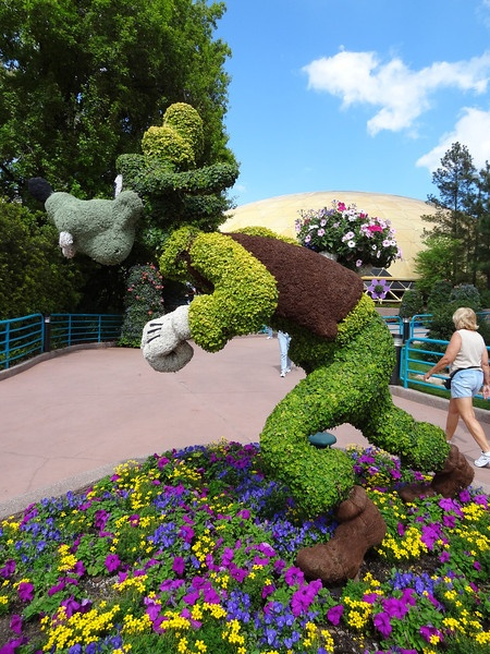 Huge photo collection of EPCOT's Flower & Garden Festival and others.