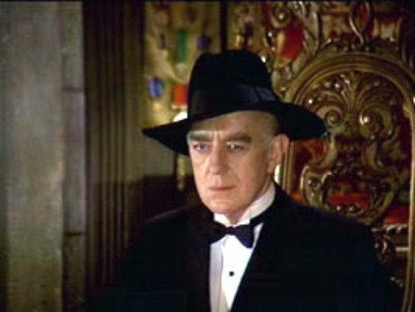 Alec Guiness in murder by death