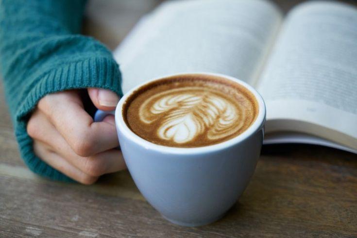 Ingyen kávé egy napig – idén is fizethetünk verssel a költészet világnapján   Konyhalál