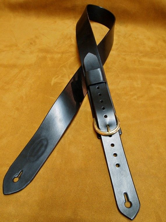 Leather Guitar Strap Black bridle leather Classic by mataradesign