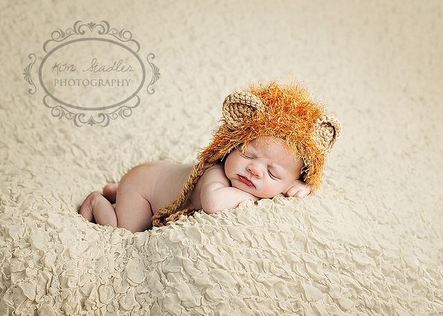 hahaha so adorable. my boyfriend saw a bunch of these baby pose pictures and loved them. wuvvv it!