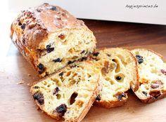 Dit gezond rozijnenbrood is een lekker en gezond recept en alternatief voor rozijnenbrood die je in de winkel koopt. Ik maak het met spelt en yoghurt.