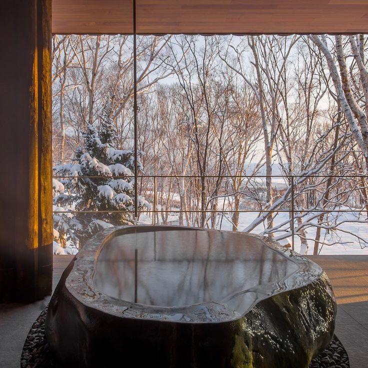 #itscoldoutside #staywarm #natural #hotsprings #onsen #outdoorbath #stonebath #rotenburo #roomwithaview #zaborin #ryokan #niseko #hokkaido #mountainretreat #stayinstyle #visitjapan | zaborin.com