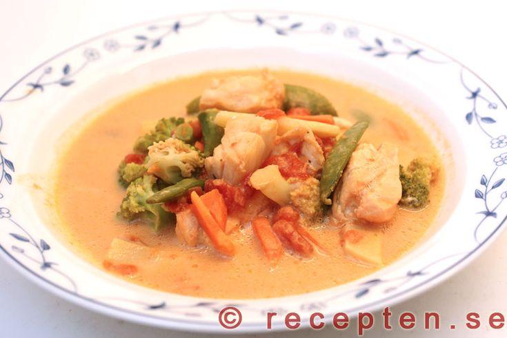 Enkel fisksoppa - Recept på en mycket enkel och god fisksoppa som du gör själv på 15 minuter! Bilder steg för steg.